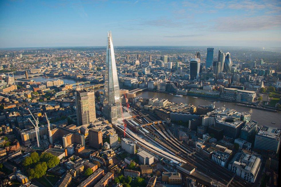 london-bridge-station-shard-city-background